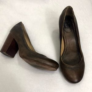 Frye Carson Pump Distressed Leather Size 7.5M